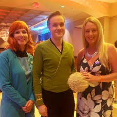 Season 2 Kirk with @Ladieswhotrek (and tribble). #STLV #STLV17 (2017)